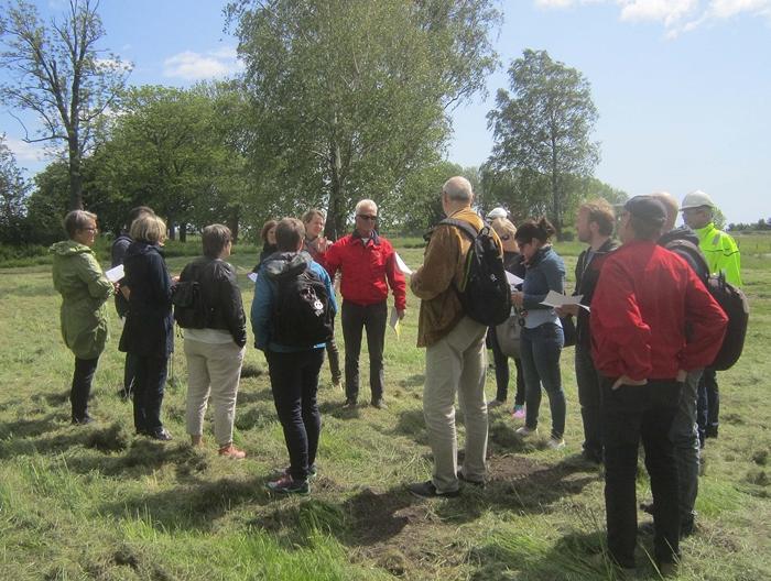Kommunens arealplanavdeling og Esso på befaring/omvisning i Hovedgårdparken og på Batteriodden